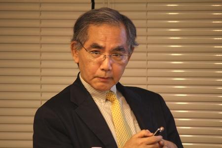 発表の様子:内田 慶市 教授